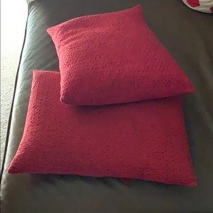 DKNY 2 Decorative Pillows